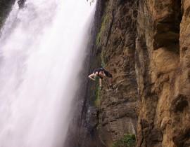 Rapel na cachoeira de Matilde / ES